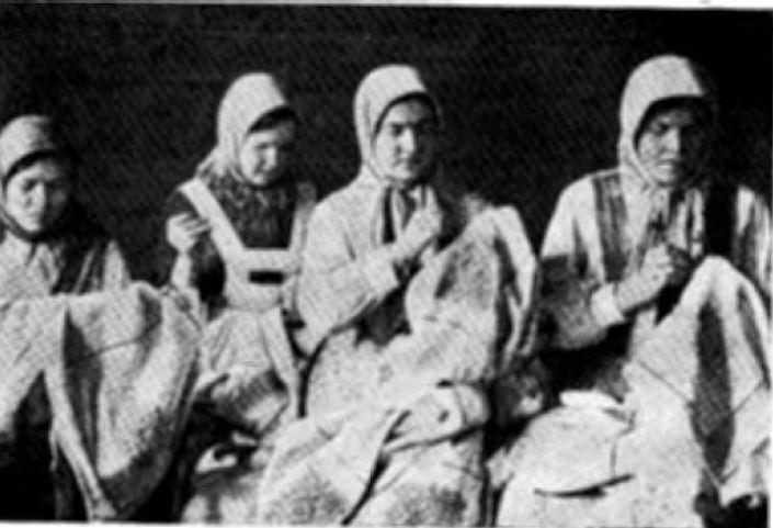 Верховые чувашки-вышивальщицы