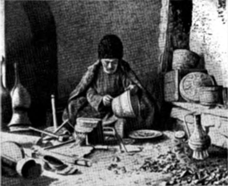 Внутренность медно-чеканной мастерской (аул Кубани)