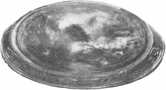 Рис. 2. Нижняя часть скорлупообразной фибулы из Киева