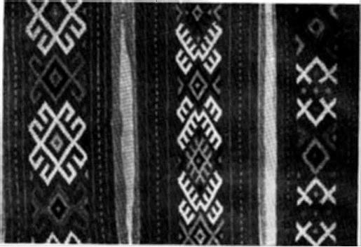 Образец старинной Узорчатой ткани. Закладная (паласная) техника. Шерсть (Черная речка, Рязанской обл.)