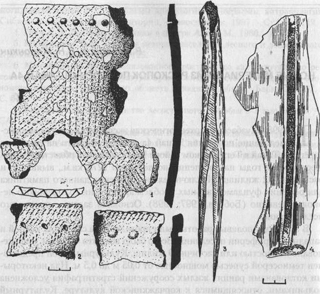 Рис.1. Керамика и вещи с поселения Танай-4а. 1 - фрагменты керамики развитой бронзы; 2- керамика эпохи ранней бронзы; 3 - костяная вилка; 4 - костяное трепало.