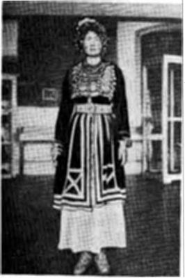 Карагашский национальный костюм