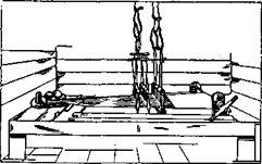 Старинный ткацкий станок на полозьях без заднего навоя (Восточное Закамье)