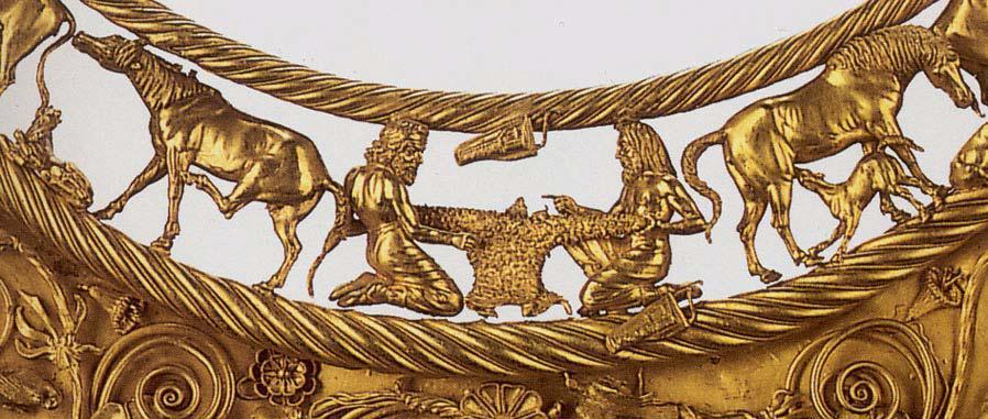 Фрагмент золотой пекторали из Толстой Могилы.