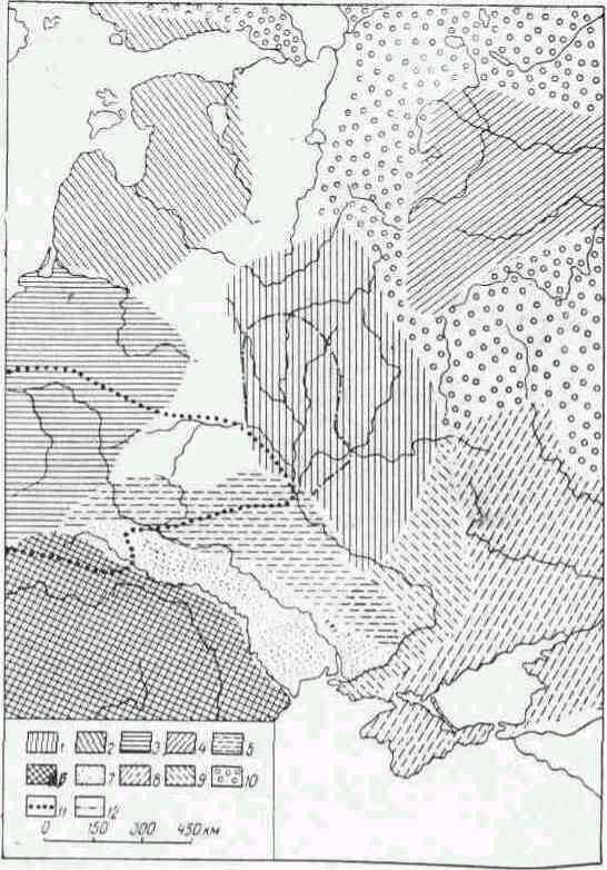 Археологические культуры конца III... II тысячелетия до н. э. 1 — среднеднепровская; 2 — боевых топоров; 3 — шаровидных амфор; 4— фатьяновская; 5 — волыно-мегалитическая; 6 — трипольская; 7 — усатовская 8 — ямочно-катакомбная; 9 — нижнеднепровская; 10 — культуры с ямочно-гребенчатой или гребенчатой керамикой; II — границы тшинецкой культуры; I2 — границы сосницкой культуры.