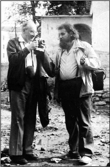 Рис. 10. С Ж. Бланковым. Псков. Фото 1992 г. Fig. 10. With Zh. Blankov. Pskov. Photo 1992.