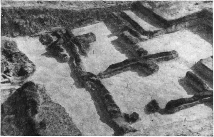 Рис. 2. Остатки оборонительных сооружений северного вала центральной части крепости