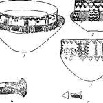Рис. 91. Керамика (1/7, 1/4), двойные топоры (1/4) и наконечники стрел из датских могил с коридором.