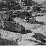 Рис. 53. Круглое каменное сооружение IV—III вв. до и. э. (вид с северо-востока).