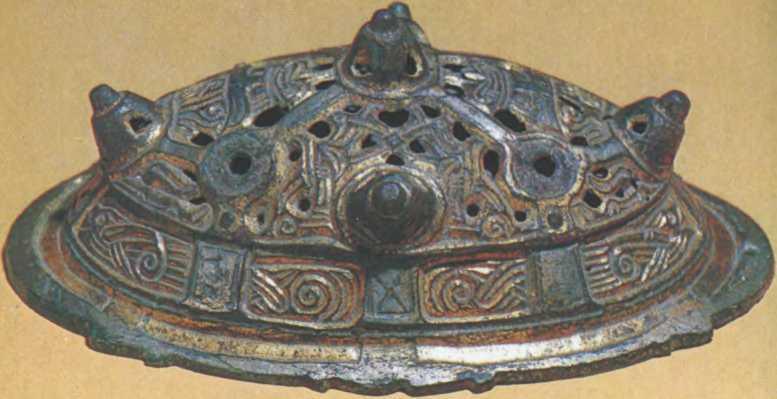 Скандинавская серебряная круглая фибула из Гнездовского клада