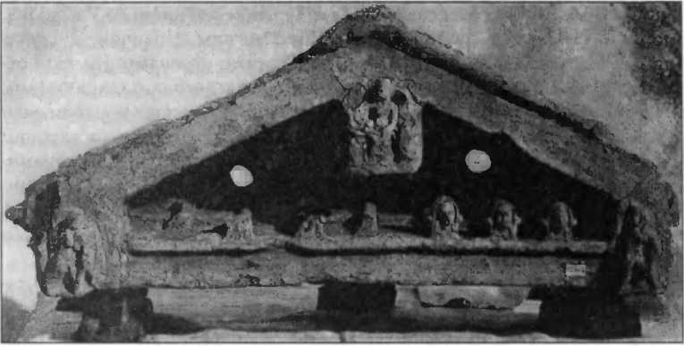 Терракотовое вотивное изображение фронтона храма из Неми. Ок. 300 г. до н.э.