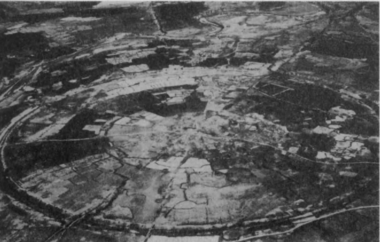 Гур (Фирузабад) — круглый город первого сасанидского царя Ардашира.
