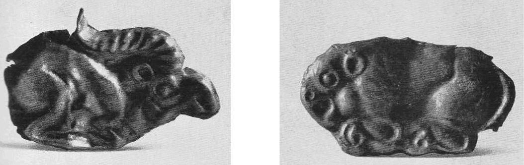 Золотая бляшка — лежащий козёл. Тагискен, курган №66. Золотая бляшка — лежащий лев с профильной головой. Тагискен, курган №53.