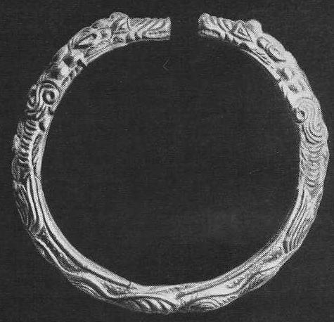 Золотой браслет с орнаментаризированными фигурами зверей на концах. Аму-Дарьинский клад.