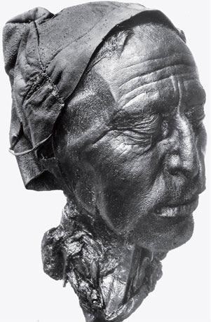 Рис. 4.3. Толлундский человек, сохранившийся после 2000 лет пребывания в датских болотах