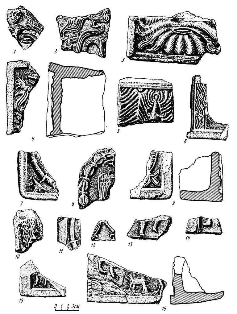 Рис. 5. Красные изразцы из древних Холмогор