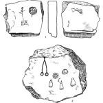 Рис. 56. Каменные плитки с рисунками с городища Камно.