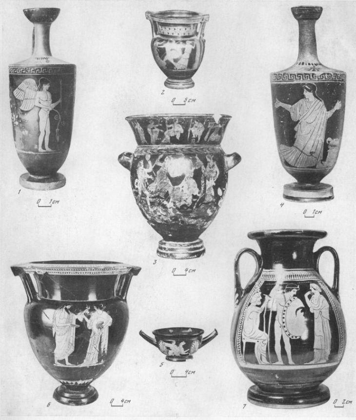 Таблица CXLIII. Краснофигурная аттическая керамика 1 — лекиф, 495—490 гг. до н. э.; 2 — кратер мастера Алкима, около 470 г. до н. э.; 3 — кратер, рубеж V—IV вв. до н. э.; 4 — лекиф, первая четверть V в. до н. э.; 5 — килик, конец V — начало IV в. до н. э.; 6 — кратер, начало V в. до н. э.; 7 — пелика, начало V в. до н. э. 1 — Ольвия; 2, 4, 6, 7 — Пантикапей; 3 — Херсонес; 5 — Панское I, округ Херсонеса. Составитель Е. Г. Кастанаян
