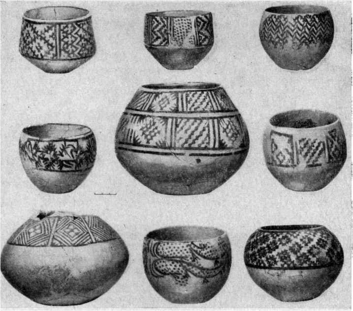 Рис. 3. Сосуды из Кара-депинской гробницы