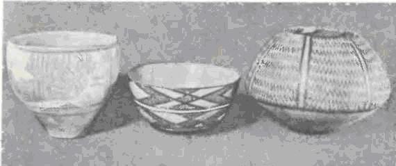 Керамика из Сиалка И, одновременная самаррской, с черной росписью по красному фону.