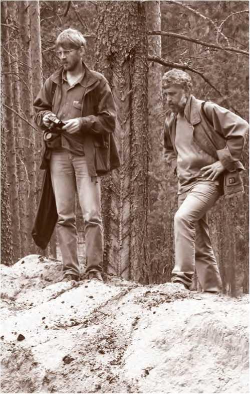 Н. А. Макаров и С. Д. Захаров (1965-2015) в инспекционной поездке на охранных раскопках в Вологодской области. 2006 г.