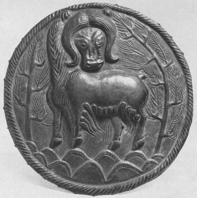 160. Серебряная пластинка с изображением яка между деревьями. Ноин-Ула.