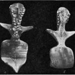 Рис. 5. Намазга-депе. Глиняная статуэтка (период Намазга IV). а — вид спереди; б — вид сзади.