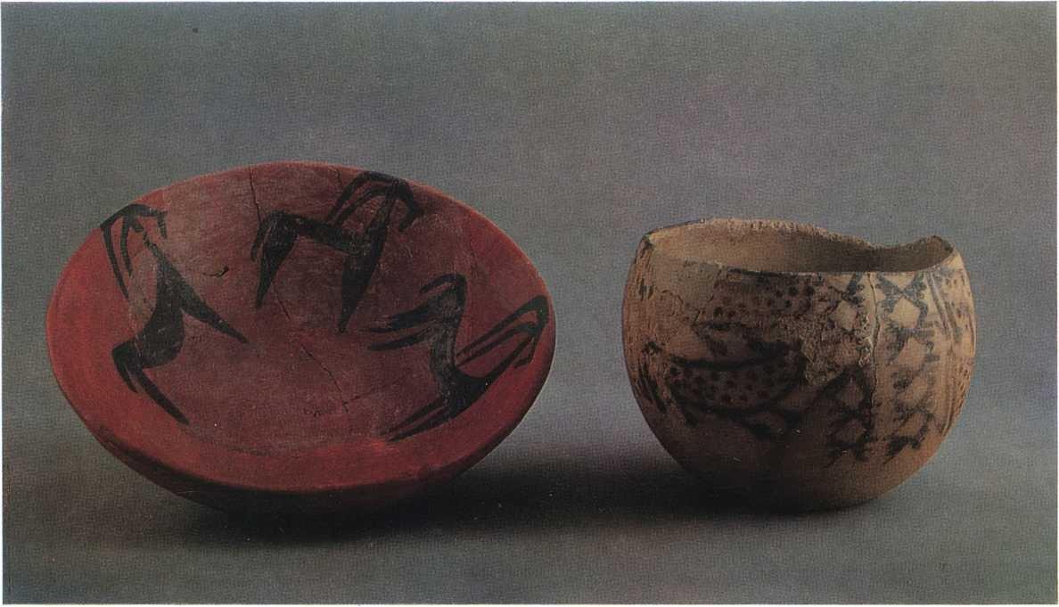 18. Расписные миска и чаша из Кара-тепе. Ангобированная глина. III тыс. до н. э.