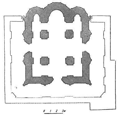 Рис. 2. План церкви Покрова на Нерли с галереями