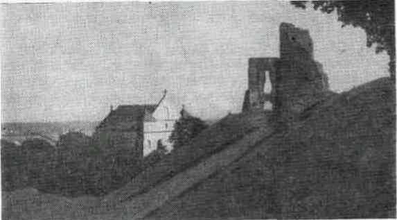 Развалины замка на Новогрудском детинце.
