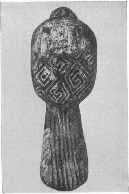 6. Фигурка птицы из стоянки Мезино. Бивень мамонта. Поздний палеолит.