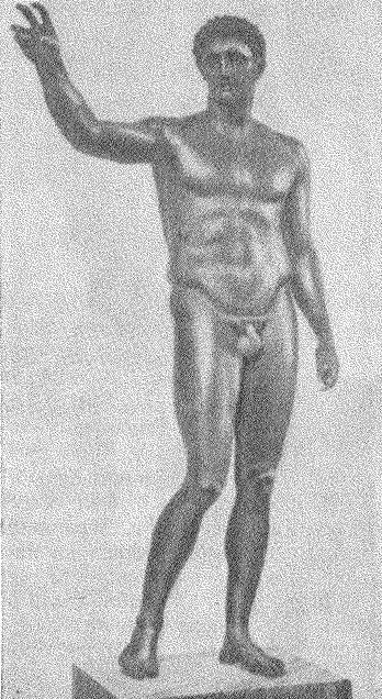 Рис. 8. Бронзовая статуя юноши, найденная в море около Антикиферы