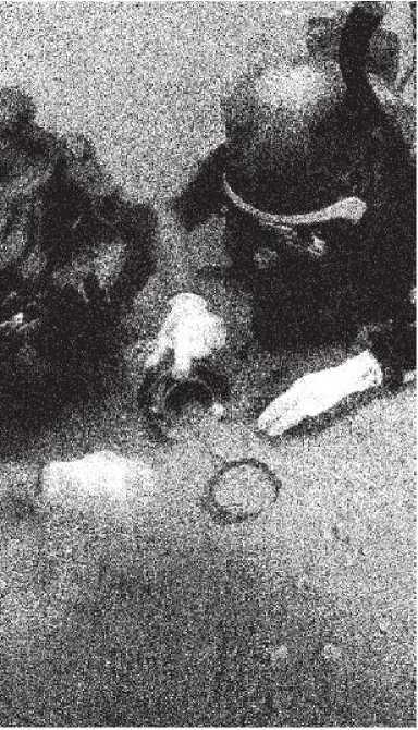 Рис. 6. Подводные археологические исследования с помощью пневмоочистителя.