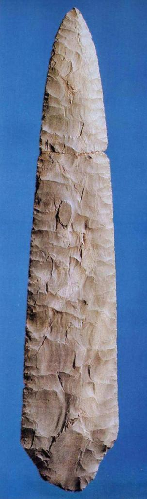 Кремневое копье эпохи неолита