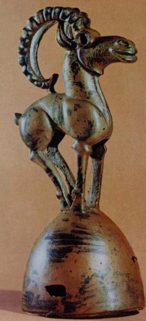 Бронзовое навершие с изображением барана, тагарская культура