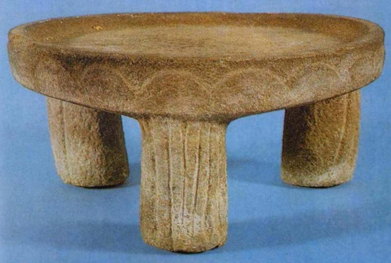 Каменный жертвенный столик из савроматского погребения