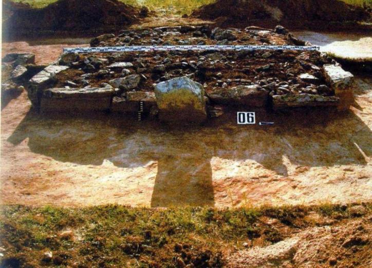 Тюркский могильник во время раскопок (по В. В. Горбуновой)