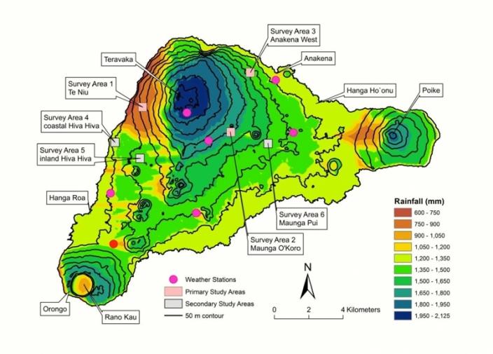 Карта осадков на острове Пасхи. Также показаны три основные области исследования (розовые квадраты), полевые метеостанции (фиолетовый точки) и метеостанция у аэропорта (красная точка).