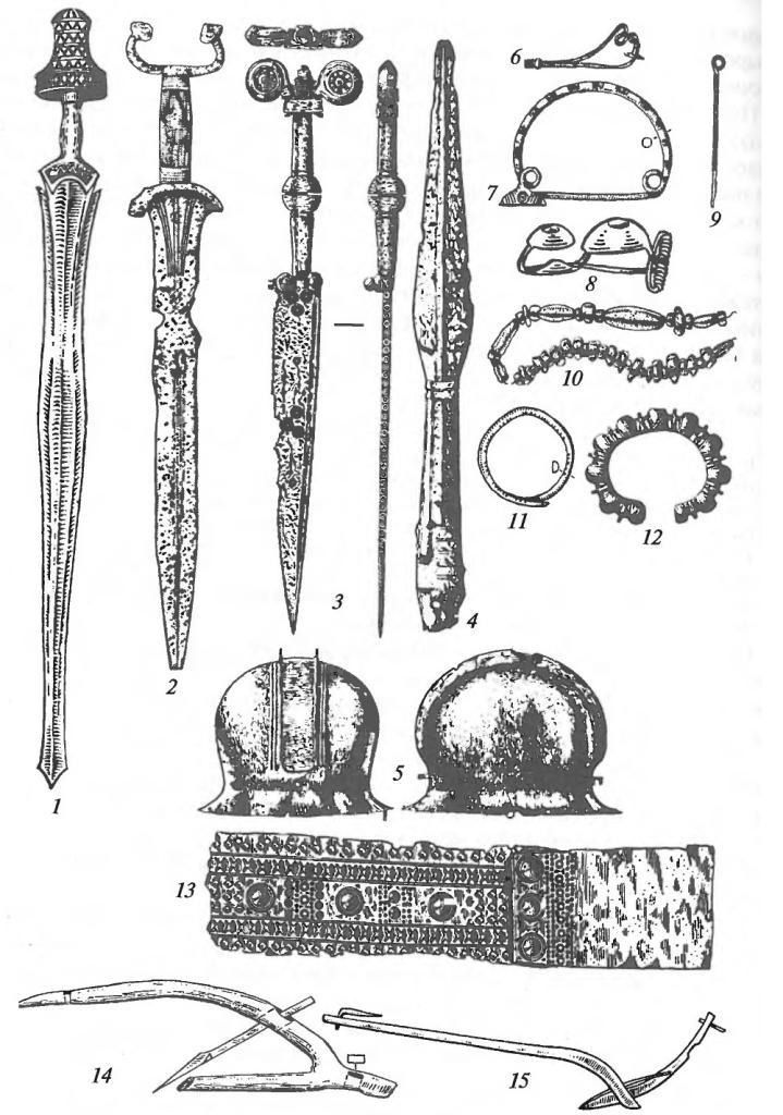 Гальштатская культура. Вооружение, украшения и орудия труда: 1 - бронзовый меч с костяным навершием; 2 - железный меч с антенновидным навершием; 3 - железный кинжал с бронзовой рукоятью и золотыми вставками; 4 - железный наконечник копья;  5 - бронзовый шлем; 6-8 - фибулы со змеевидной, дуговиднойилитавровиднойдужкой; 9 - бронзовая булавка; 10 - ожерелье из янтарных бус; 11, 12 - бронзовые браслеты; 13 - бронзовая поясная пряжка; 14 - плуг (реконструкция); 15 — соха {реконструкция)