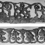 Рис. 39. 1,2. Вышивки на тканях из Старой Рязани