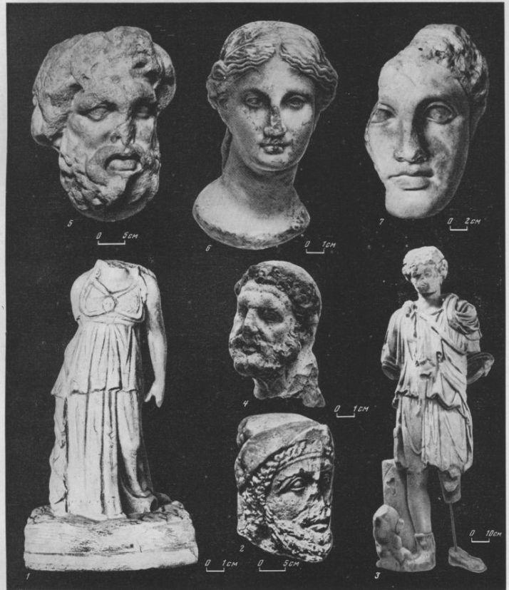 Таблица CII. Скульптура 1 — статуя Афины, IV в. до н. э., Ольвия; 2 — портрет синда, IV в. до н. э., Фанагория; 3 — статуя Диониса, IV в. до н. э., Пантикапей; 4 — голова Геракла, IV в. до н. э., Херсонес; 5 — голова Аскления, IV в. до н. э., Ольвия; 6 — голова Гигиэи, III в. до н. э., Пантикапей; 7 — голова Афродиты, I в. до н. э., Пантикапей 1, 3, 5—7 — мрамор; 2 — известняк; 4 — терракота. Составитель М. М. Кобылина