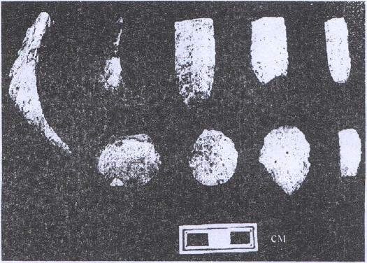 Рис. 26. Орудия (камень) с памятника Иня-11. НОКМ16972, 19638