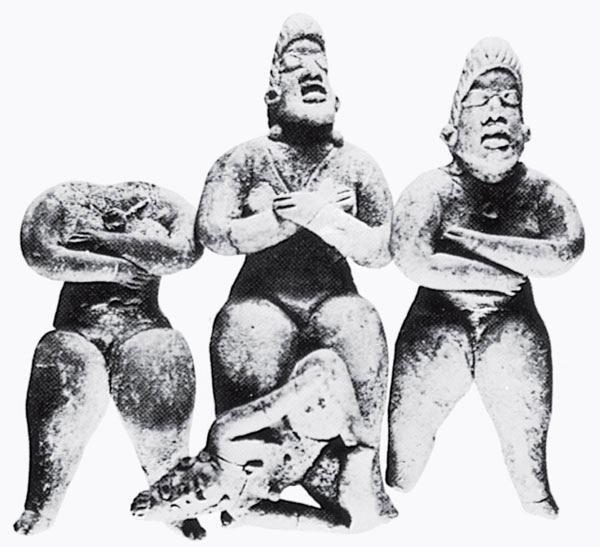 Рис. 17.4. Ритуальная сцена, состоящая из четырех глиняных фигурок, из Сан-Хосе Моготе в долине Оахака, Мексика. Она может означать захоронение высокопоставленного человека с его тремя слугами