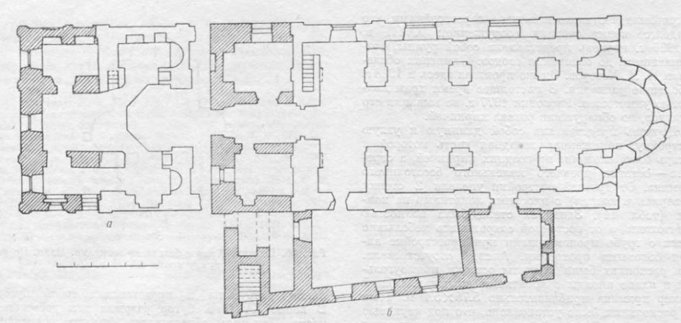 Рис. 27. Витебск. Церковь Благовещения. Планы. По обмеру П. Д. Барановского. а — план на уровне хор; б — по первому этажу.