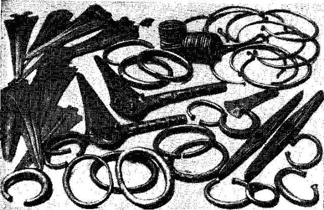 Клад металлических вещей бронзового века