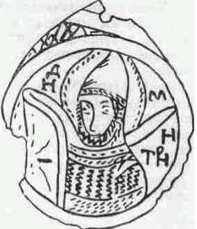 Медальон с изображением воина.