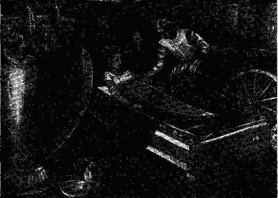 Реконструкция позднегальштатского «княжеского» погребения в Виксе, Франция (по Г. Чепмену)