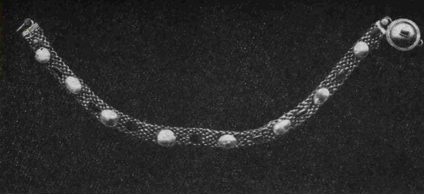 8. Ожерелье с пронизями из изумруда и перламутра из Помпей